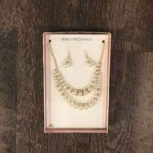 Necklace and earring box set